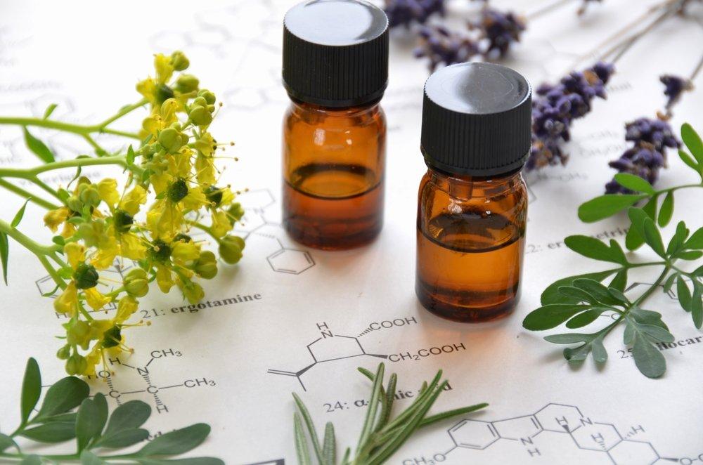 essential-oils-beginner's-guide