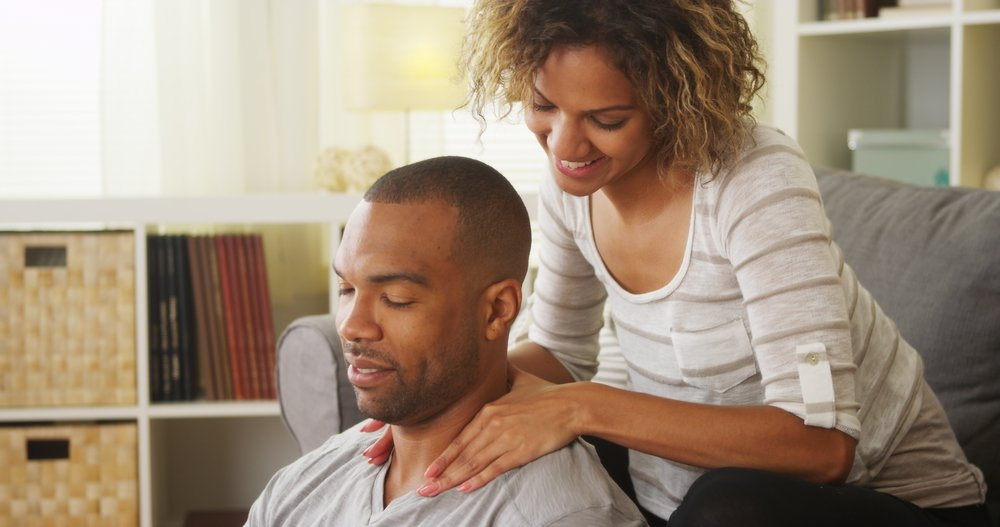 4 Reasons Why You & Your Partner Need Couples Massage Training